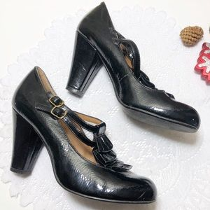 Steve Madden Ruffle Heel Size 8 Black Ankle Strap